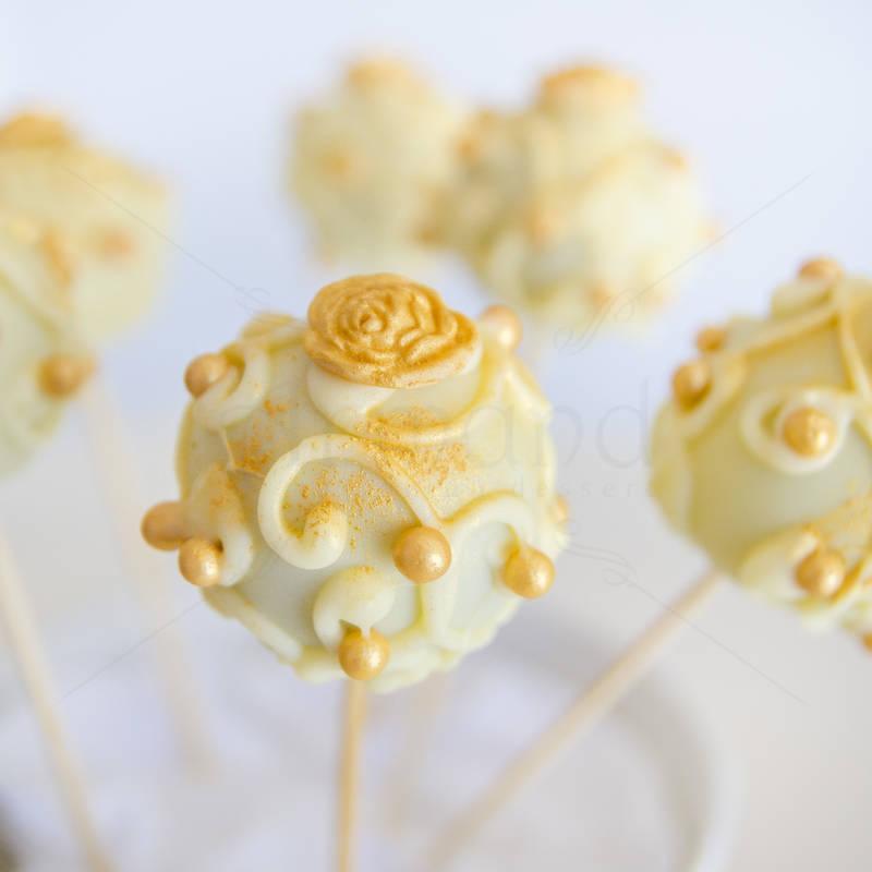 Cake pops detalii aurii