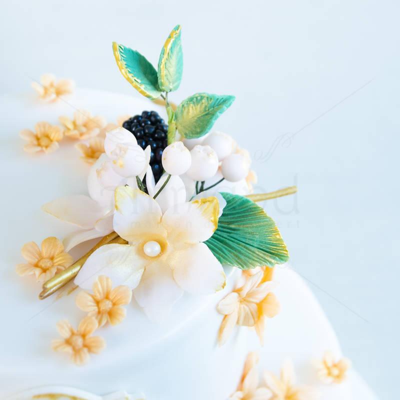 Tort nunta Mure naturale si flori