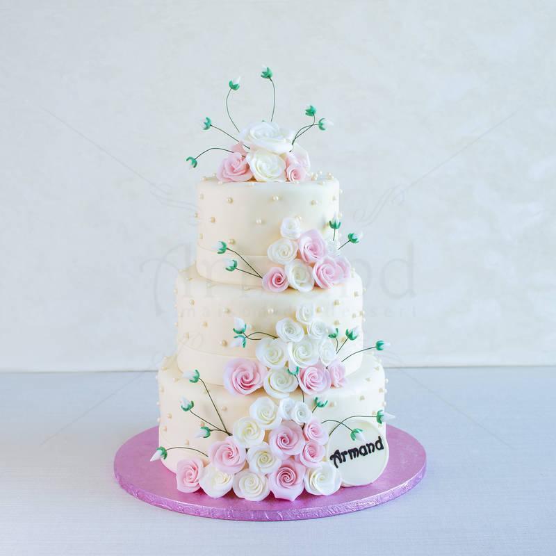 Tort nunta Crem mini trandafiri
