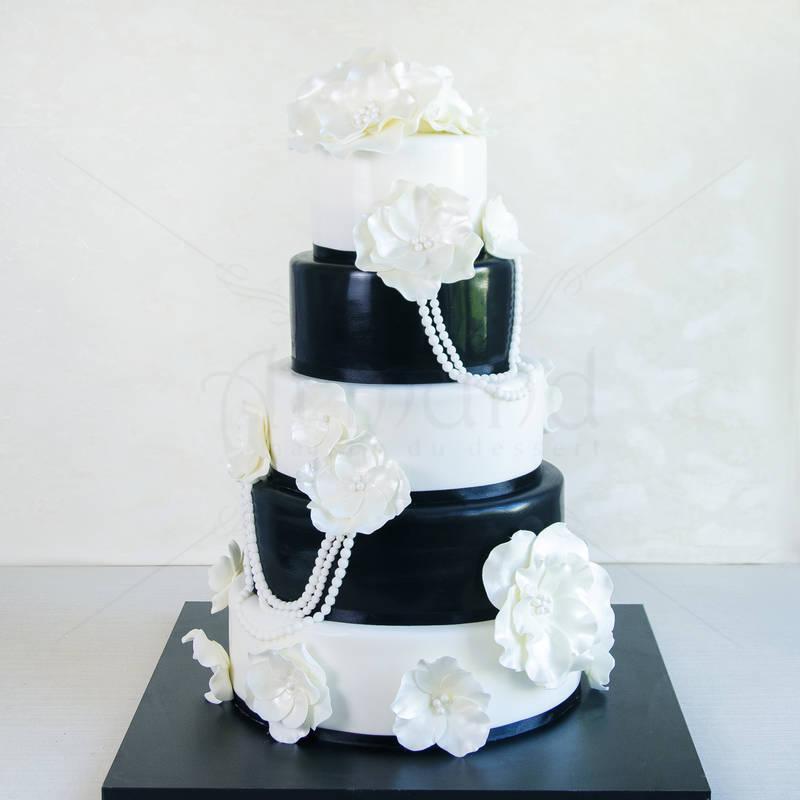 Tort nunta Flori Alb negru