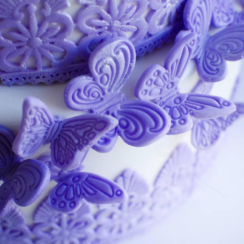 Tort Fluturi si dantela mov-lila