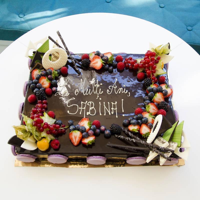 Tort Personalizat cu fructe