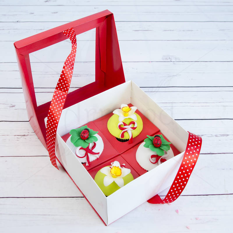 Cutie cadou 4 Cupcakes Martisor