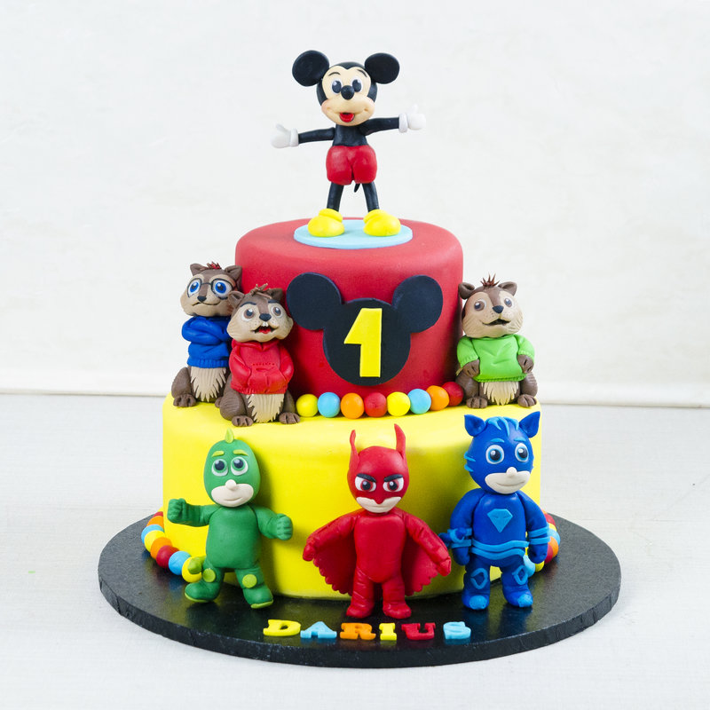 Tort Eroi in pijamale si Mickey Mouse