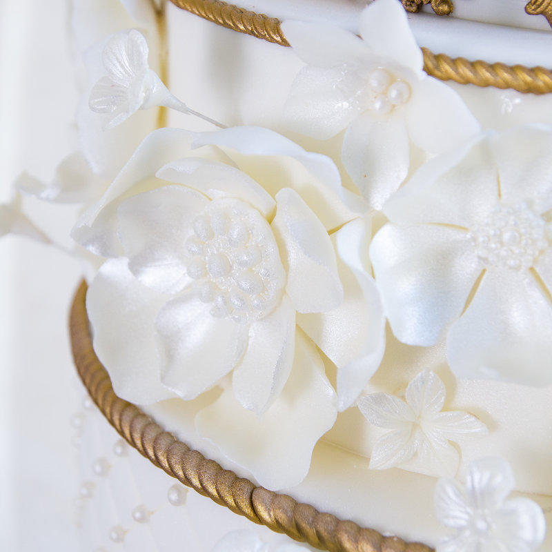 Tort Nunta Royal White