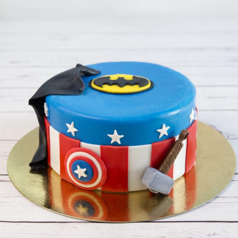 Tort pentru copii supereroi