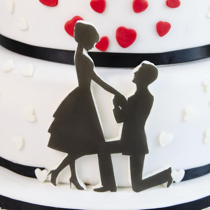 Tort de nunta Inimioare Rosii