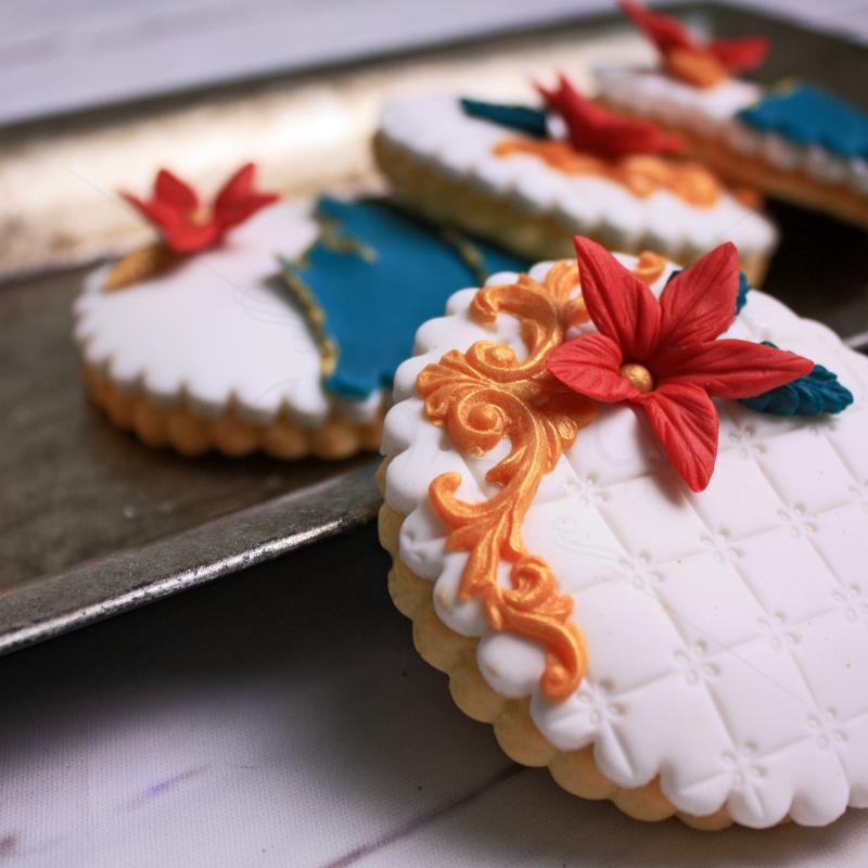 Biscuiti personalizati flori rosii