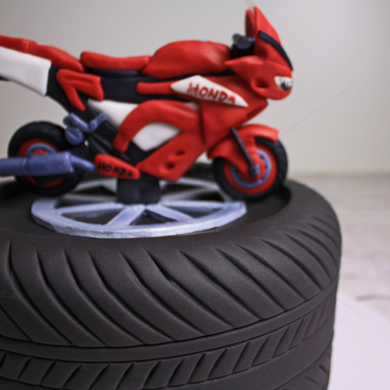 Tort roata cu motocicleta Honda