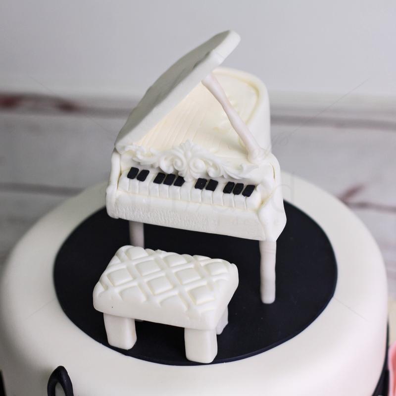 Tort Pian cu note muzicale