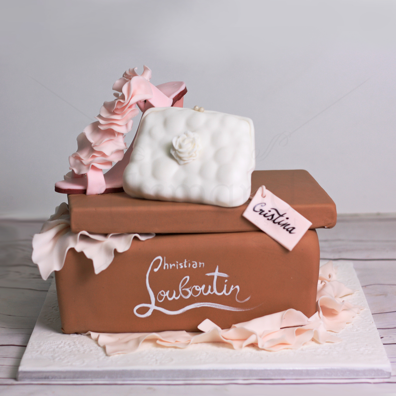 Tort cutie cadou Christian Louboutin
