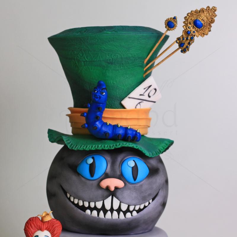 Tort Halloween Alice in Tara Minunilor