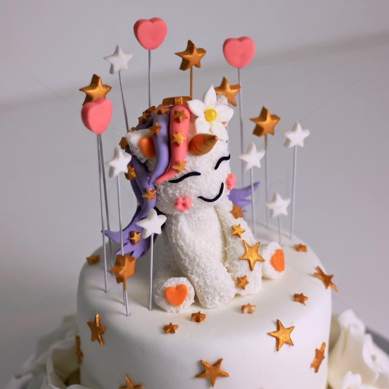 Tort Baby Unicorn cu stelute
