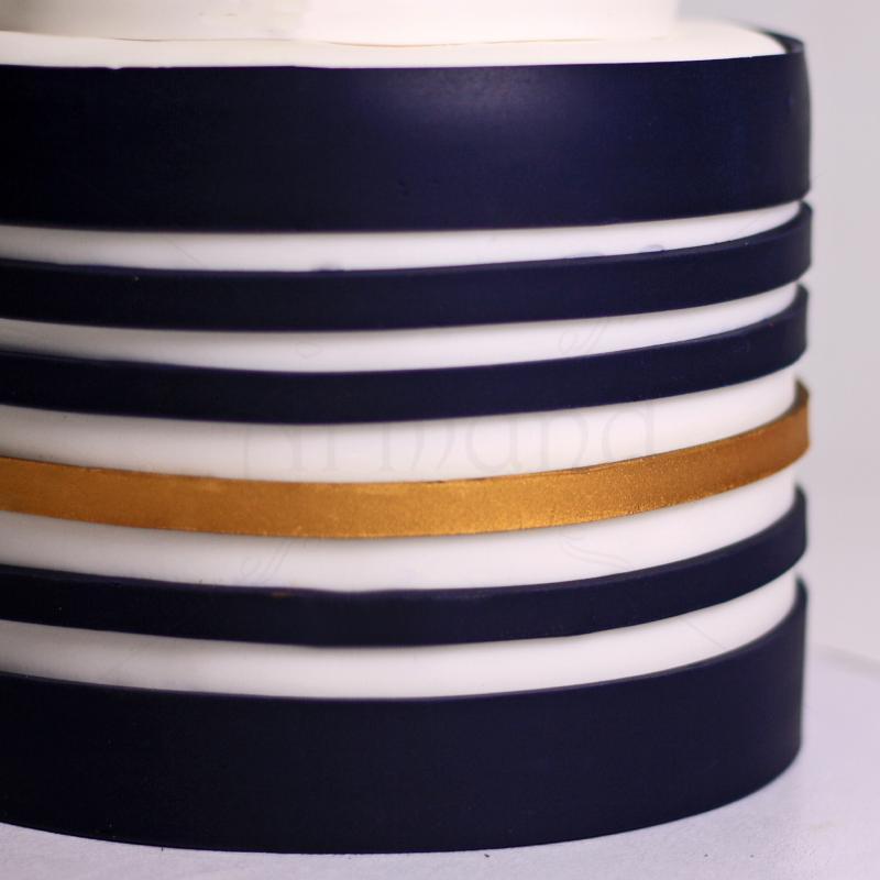 Tort elegant bleumarin cu auriu