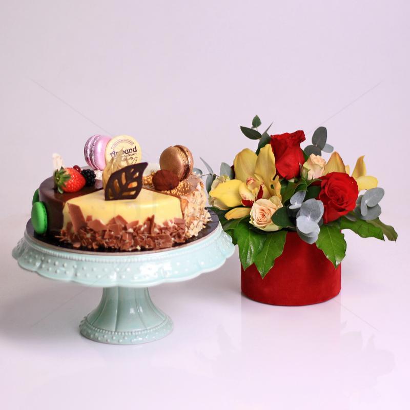 Pachet cadou 4 Flavours si aranjament floral Pasiune Aromata