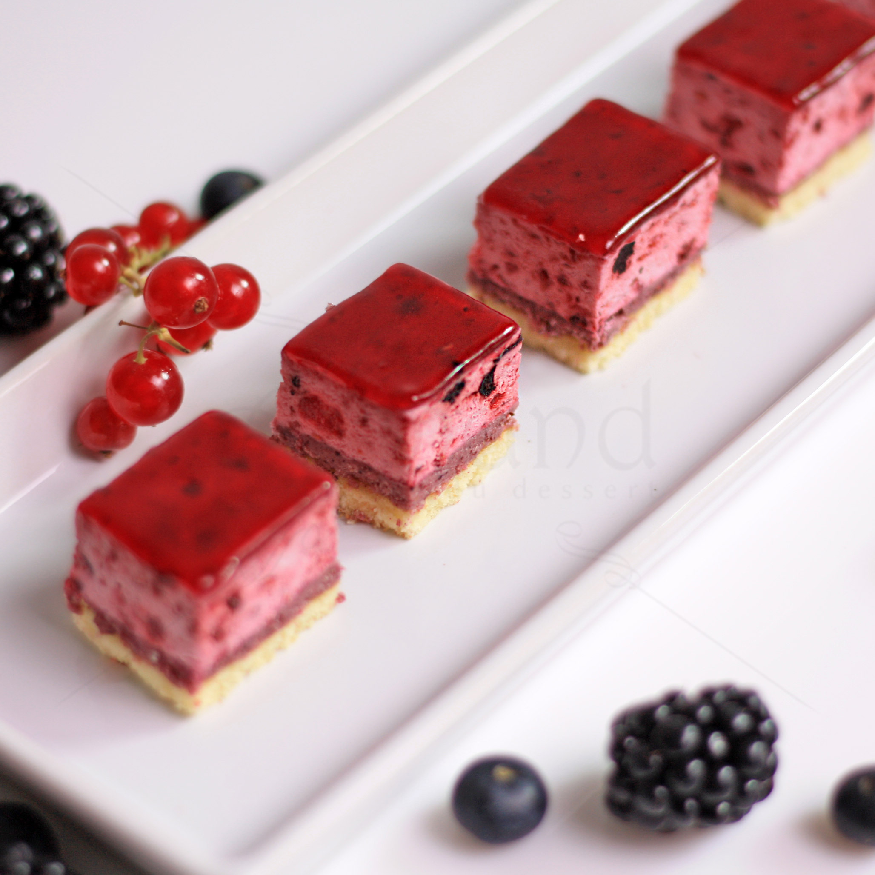 Mini Prajitura Blackberries