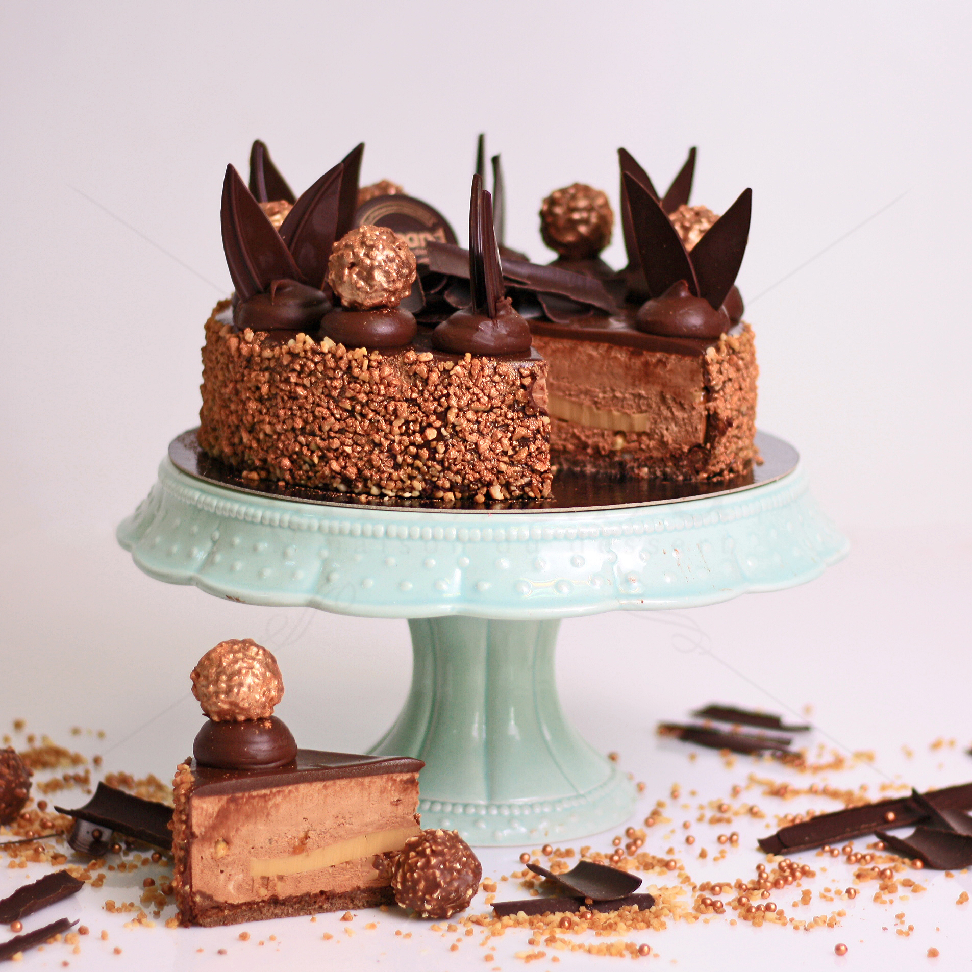Tort whisky and hazelnuts