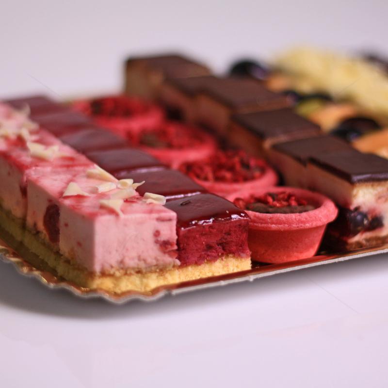 Platou ciocolata si fructe