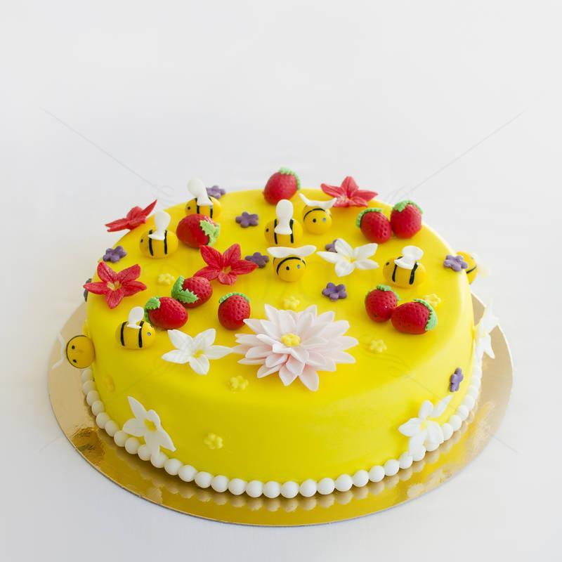 Tort Galben cu figurine