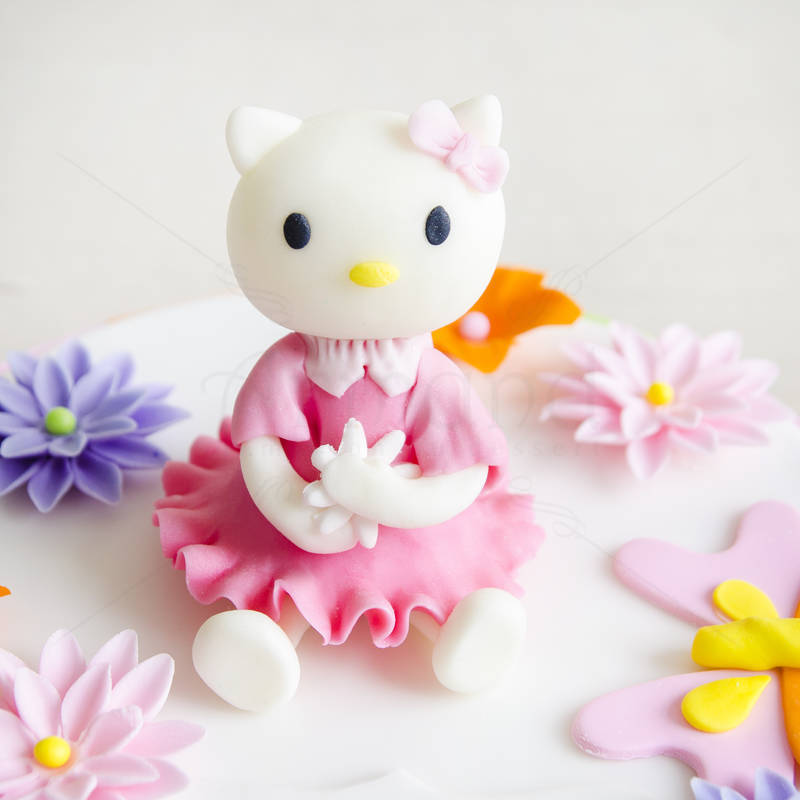 Tort Hello Kitty figurina 2
