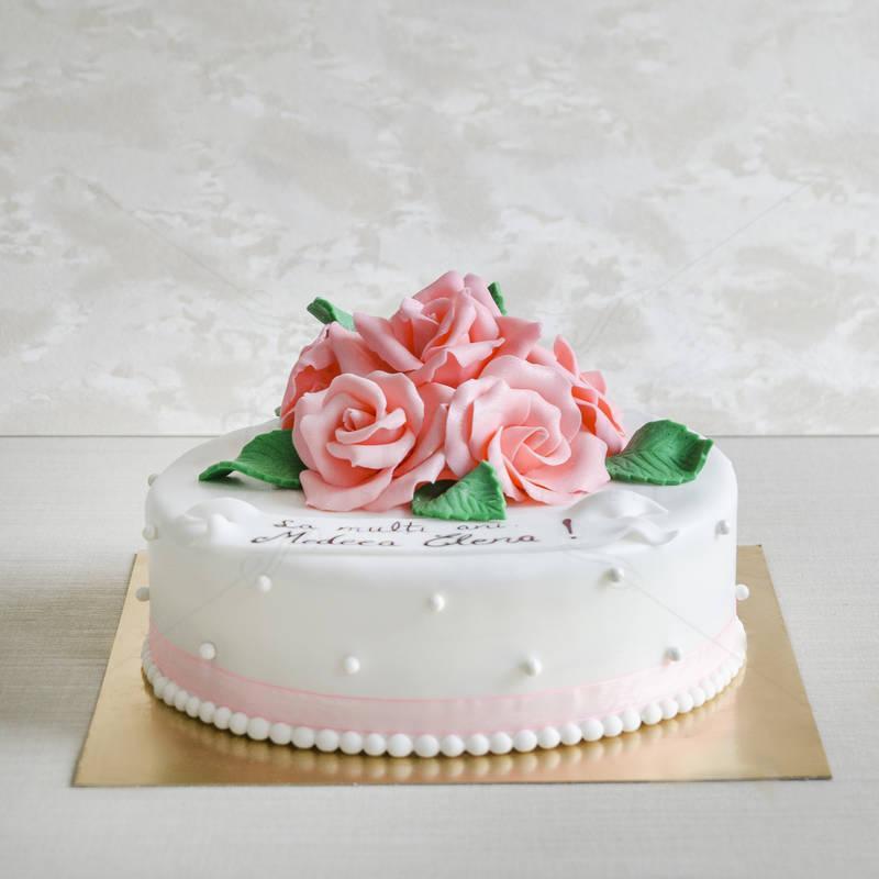 Tort Alb cu trandafiri roz