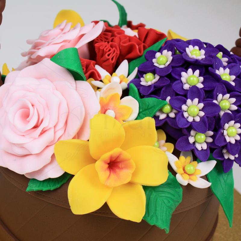Tort Cos flori primavara