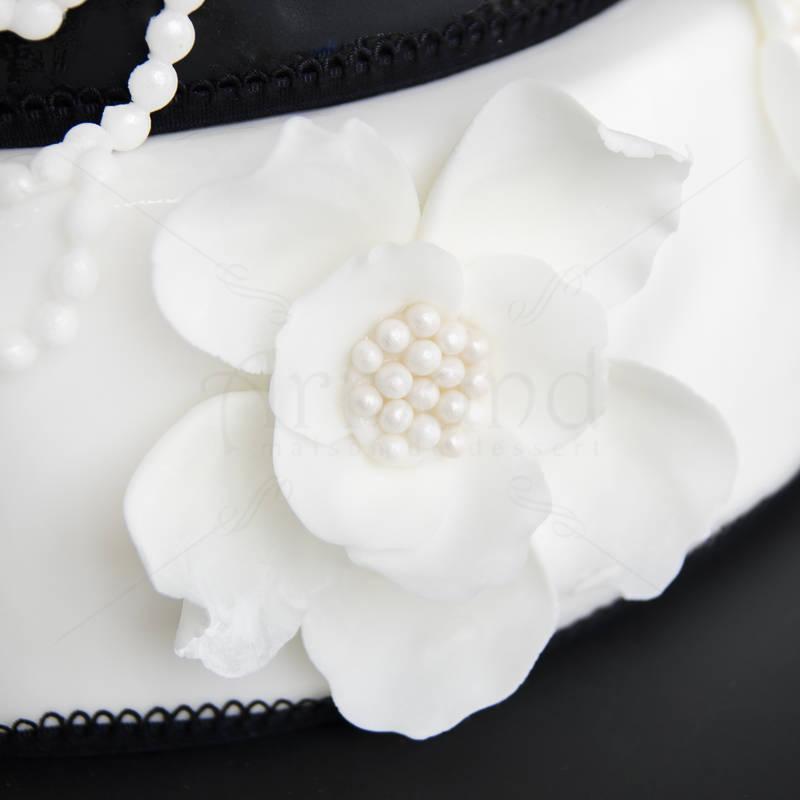 Tort de nunta Perle, camee si flori