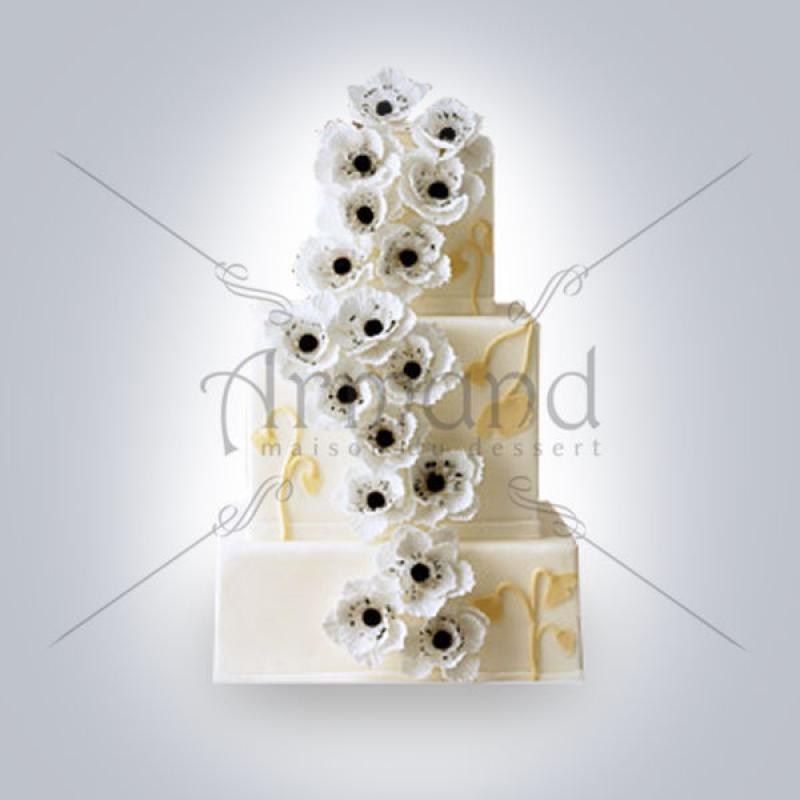 Tort de nunta ivory Cascada anemone albe