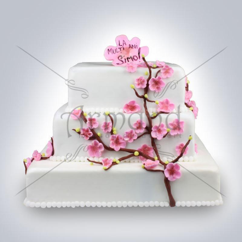 Tort de nunta alb Flori de primavara